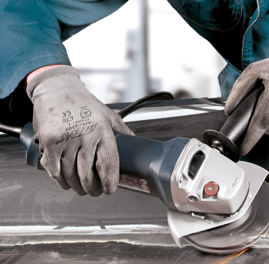 Dressing spot welds during vehicle repairs with the transparent flap disc