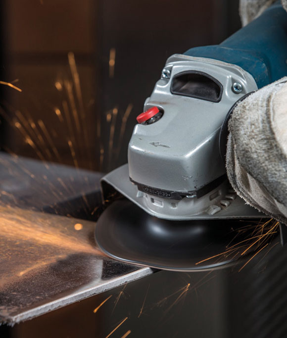 Grinding edges with a fiber disc and the angle grinder